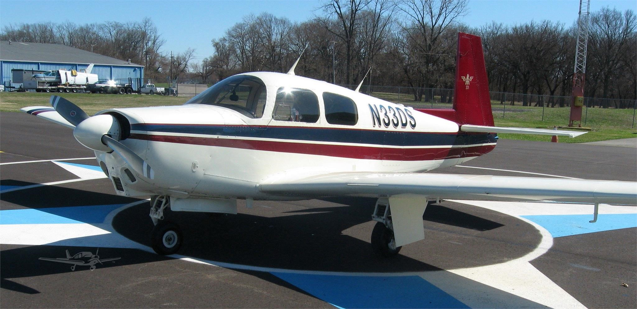 Mooney M20C N33DS